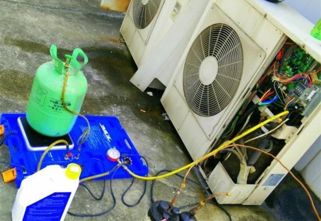 空调加氟最好用的方法莫过于抽真空定量加氟-空调维修
